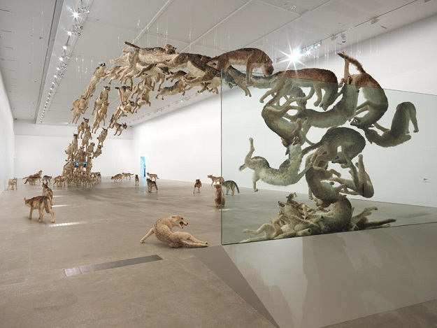 cai-guo-qiang-falling-back-to-earth-designboom-08